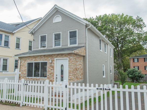 3 bed 2 bath Single Family at 36 Willet St Bloomfield, NJ, 07003 is for sale at 284k - 1 of 26
