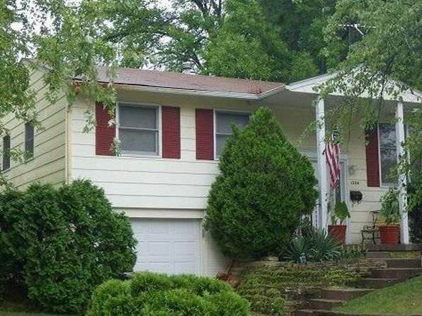 4 bed 2 bath Single Family at 1284 Golden Valley Dr Bettendorf, IA, 52722 is for sale at 120k - 1 of 19