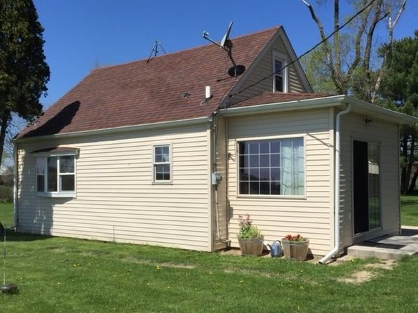 3 bed 1 bath Single Family at 8483 Freeport Rd Durand, IL, 61024 is for sale at 98k - 1 of 12