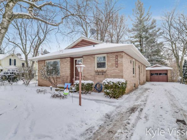3 bed 2 bath Single Family at 1814 Boston St SE Grand Rapids, MI, 49506 is for sale at 188k - 1 of 32