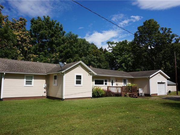 3 bed 2 bath Single Family at 3255 Woodbine Cir Caledonia, NY, 14423 is for sale at 135k - 1 of 22
