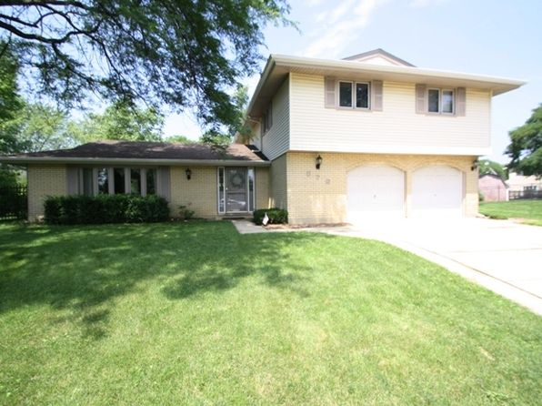 4 bed 3 bath Single Family at 876 Bedford Ct Schaumburg, IL, 60193 is for sale at 328k - 1 of 25