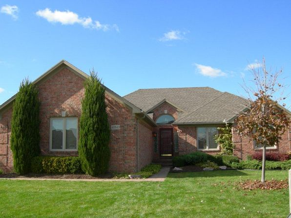 3 bed 3 bath Single Family at 47849 JAMESTOWN DR MACOMB, MI, 48044 is for sale at 350k - 1 of 12