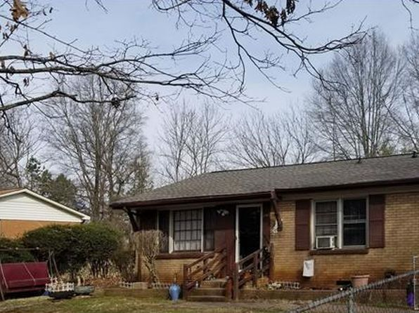 3 bed 1 bath Single Family at 200 Spring Hill Rd Matthews, NC, 28104 is for sale at 81k - google static map