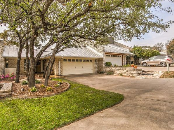 3 bed 2 bath Townhouse at 6213 Tezcuco Ct Granbury, TX, 76049 is for sale at 249k - 1 of 36