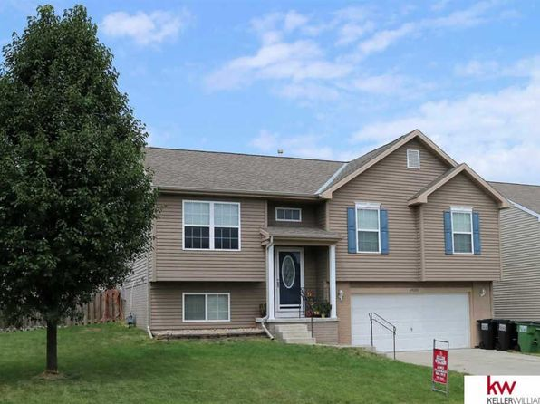 3 bed 2.5 bath Single Family at 19522 X St Omaha, NE, 68135 is for sale at 175k - 1 of 27