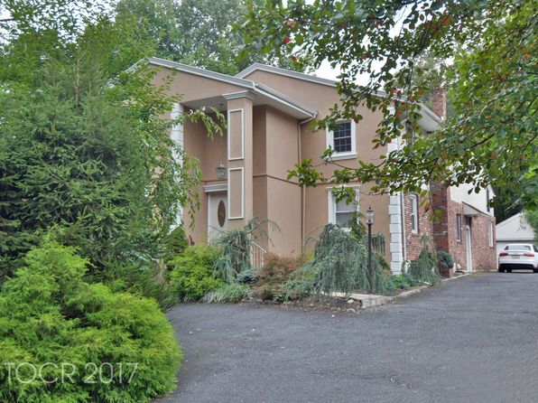 6 bed 3 bath Single Family at 57 Kinderkamack Rd Woodcliff Lake, NJ, 07677 is for sale at 799k - 1 of 19