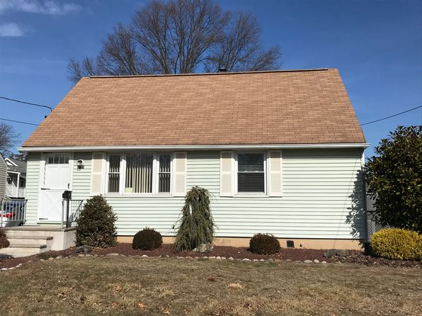 3 bed 1 bath Single Family at 211 GILES AVE MIDDLESEX, NJ, 08846 is for sale at 300k - 1 of 25