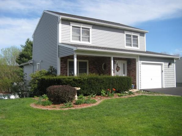 3 bed 3 bath Single Family at 40 Clearview Pl Binghamton, NY, 13901 is for sale at 212k - 1 of 27