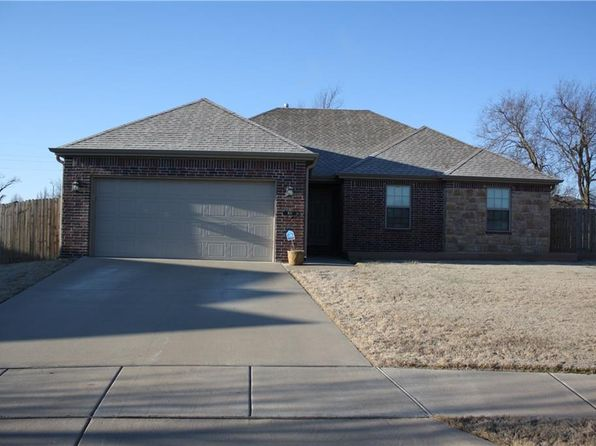 3 bed 2 bath Single Family at 702 E CYPRESS CT SILOAM SPRINGS, AR, 72761 is for sale at 160k - 1 of 23