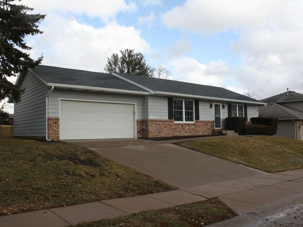 2 bed 2 bath Single Family at 2316 E 33rd St Davenport, IA, 52807 is for sale at 169k - 1 of 11
