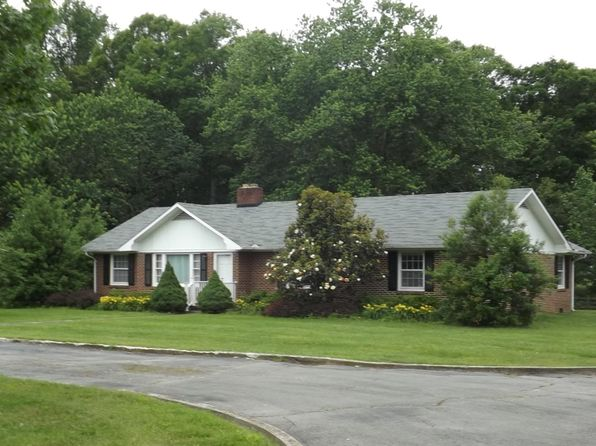 3 bed 2 bath Single Family at 2953 Woodbury Hwy Manchester, TN, 37355 is for sale at 209k - 1 of 22