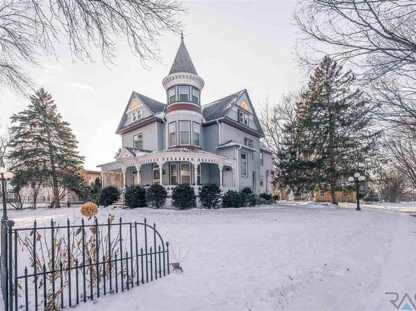 7 bed 5 bath Single Family at 103 S Summit Ave Sioux Falls, SD, 57104 is for sale at 330k - 1 of 35