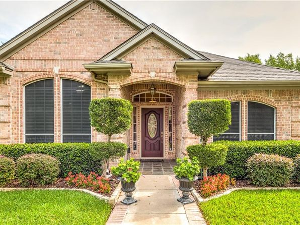 4 bed 3 bath Single Family at 3126 Oakview Dr Hurst, TX, 76054 is for sale at 350k - 1 of 31