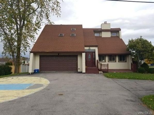 4 bed 3 bath Single Family at 6125 Fairway Ct Lake View, NY, 14085 is for sale at 140k - 1 of 12