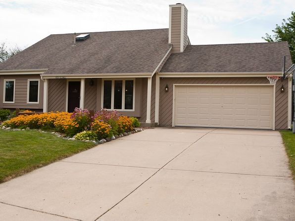 3 bed 2 bath Single Family at N78W15461 Haymeadow Rd Menomonee Falls, WI, 53051 is for sale at 285k - 1 of 18