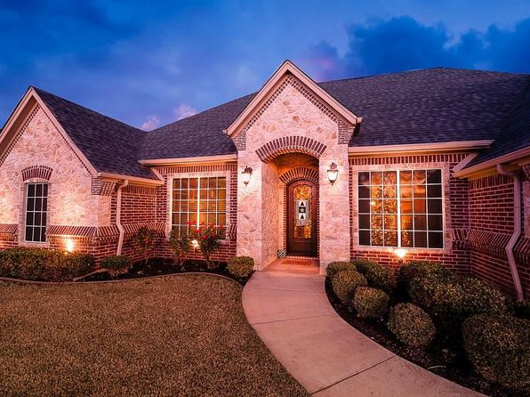 4 bed 3 bath Single Family at 3224 Ferry Boat Ln Granbury, TX, 76049 is for sale at 300k - 1 of 27