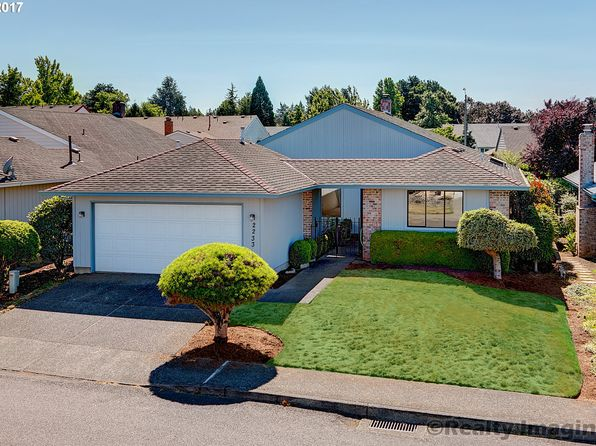2 bed 2 bath Single Family at 2233 NE 154th Ave Portland, OR, 97230 is for sale at 339k - 1 of 16