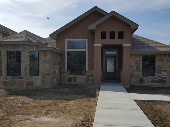3 bed 2 bath Single Family at  249 Westlakes Blvd EAGLE PASS, TX, 78852 is for sale at 163k - 1 of 13