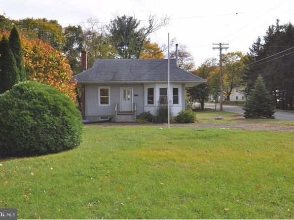 3 bed 1 bath Single Family at 394 Main St Columbus, NJ, 08068 is for sale at 120k - 1 of 25