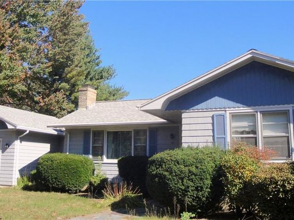 3 bed 1 bath Single Family at 44 Forsythia Ln Cranston, RI, 02921 is for sale at 220k - 1 of 7