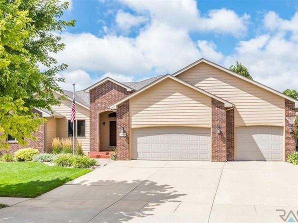 5 bed 4 bath Single Family at 4060 S Tuscany Ct Sioux Falls, SD, 57103 is for sale at 370k - 1 of 23