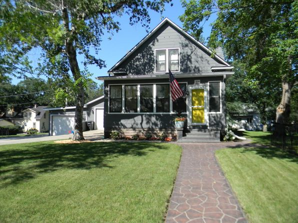 3 bed 2.5 bath Single Family at 1264 Minnesota Ave Detroit Lakes, MN, 56501 is for sale at 215k - 1 of 27