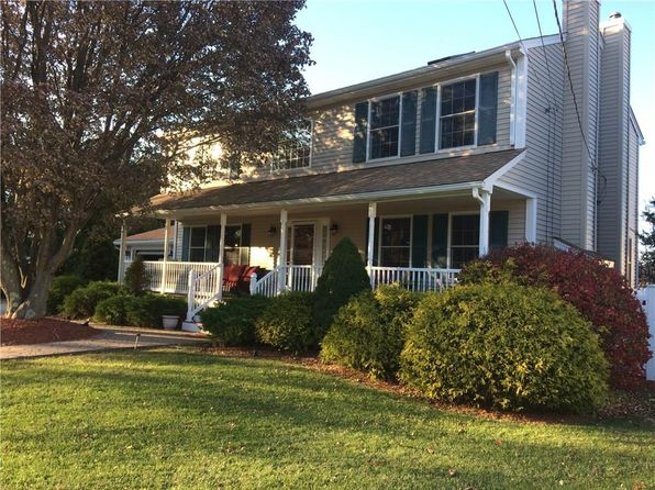 3 bed 4 bath Single Family at 10 MOWRY RD SMITHFIELD, RI, 02917 is for sale at 390k - 1 of 32