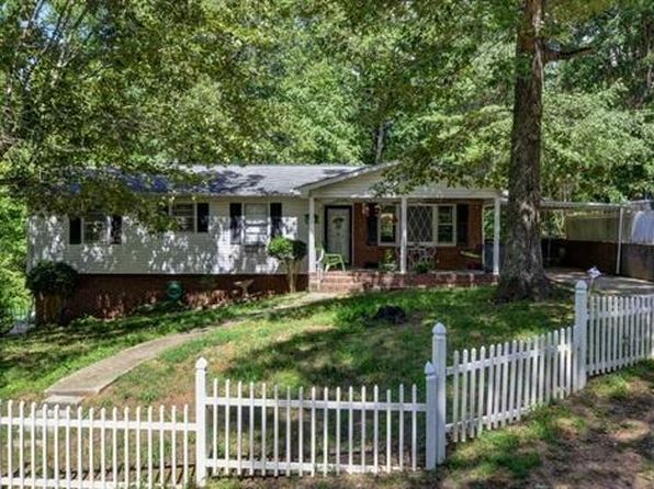 3 bed 1.5 bath Single Family at 1 Notchwood Dr Greenville, SC, 29611 is for sale at 140k - 1 of 9