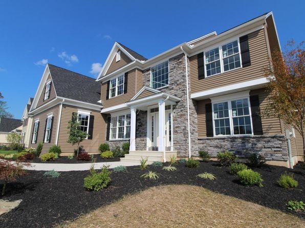 5 bed 3.5 bath Single Family at 1123 Woodberry Dr Mountain Top, PA, 18707 is for sale at 460k - 1 of 9