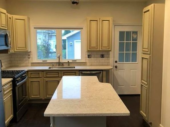 2 bed 1 bath Single Family at 2889 Plunkett Ave Schenectady, NY, 12306 is for sale at 145k - 1 of 15