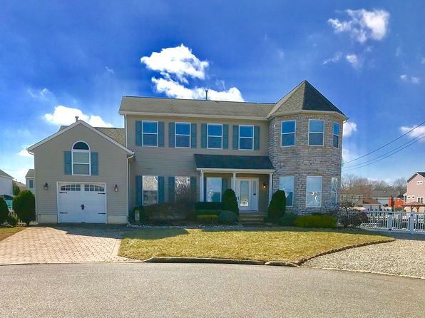 4 bed 3 bath Single Family at 1907 Seaman Ct Toms River, NJ, 08753 is for sale at 700k - 1 of 29
