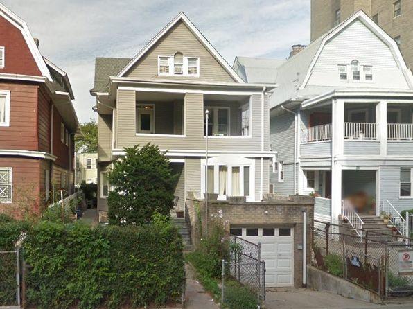 10 bed 3 bath Multi Family at 30 STRATFORD RD BROOKLYN, NY, 11218 is for sale at 2.15m - google static map