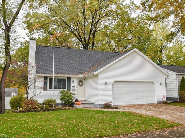 3 bed 2.5 bath Single Family at 1486 11th St Cuyahoga Falls, OH, 44221 is for sale at 190k - 1 of 26