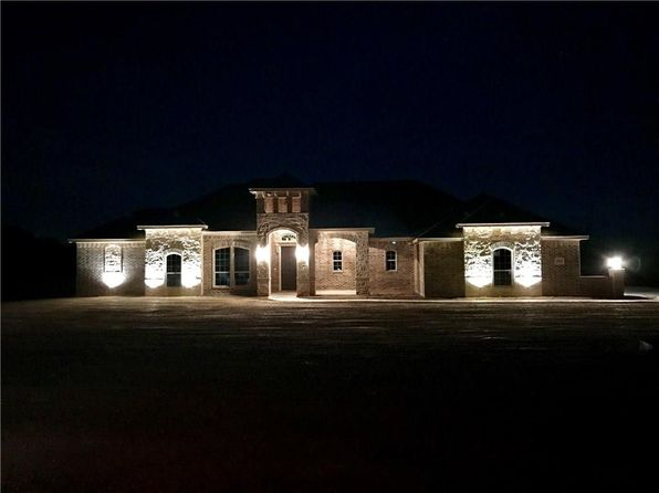 4 bed 2 bath Single Family at 3541 Je Woody Rd Springtown, TX, 76082 is for sale at 327k - 1 of 30