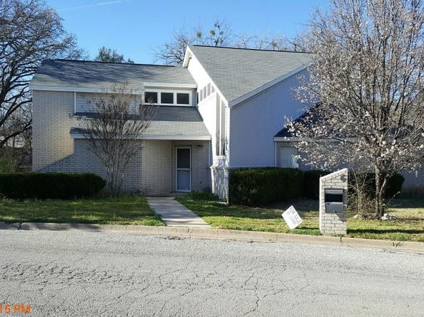 3 bed 2 bath Single Family at 6 Creekwood Trl Bowie, TX, 76230 is for sale at 110k - 1 of 24