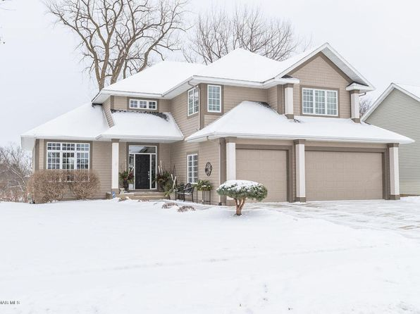 5 bed 4 bath Single Family at 2833 Stonegate Ct SW Rochester, MN, 55902 is for sale at 590k - 1 of 40