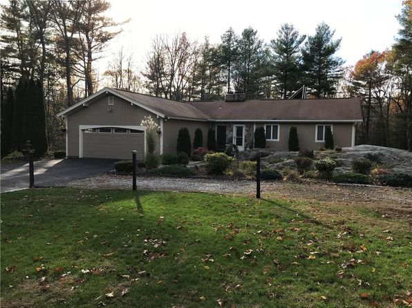 2 bed 2 bath Single Family at 28 Latham Farm Rd Smithfield, RI, 02917 is for sale at 325k - 1 of 40