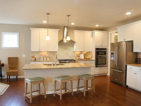 4 bed 3 bath Single Family at 178 Stonehaven Dr Weymouth, MA, 02190 is for sale at 642k - 1 of 13