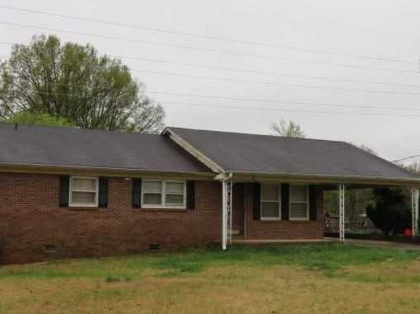 3 bed 2 bath Single Family at 28 Amy Ln Taylors, SC, 29687 is for sale at 170k - 1 of 14