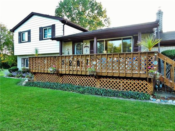 3 bed 1.5 bath Single Family at 5281 Oak Park Dr Clarkston, MI, 48346 is for sale at 249k - 1 of 61
