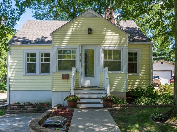 3 bed 1 bath Single Family at 2625 36th St Des Moines, IA, 50310 is for sale at 129k - 1 of 2