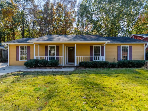 3 bed 2 bath Single Family at 1749 Tall Oak Cir Birmingham, AL, 35235 is for sale at 120k - 1 of 34