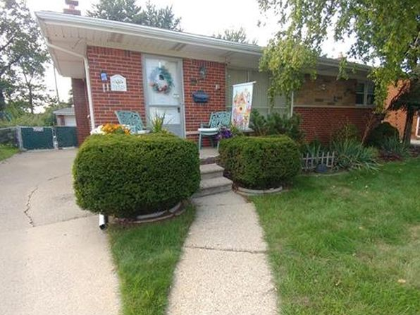 3 bed 1 bath Single Family at 31525 Kelly Rd Fraser, MI, 48026 is for sale at 130k - 1 of 31