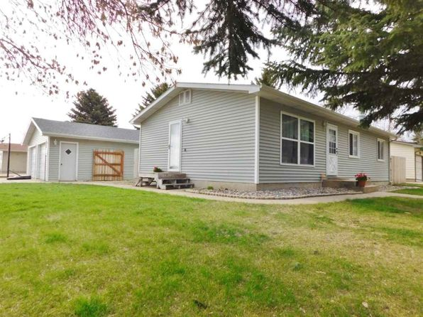 4 bed 2 bath Single Family at 2510 8th St NW Minot, ND, 58703 is for sale at 225k - 1 of 24