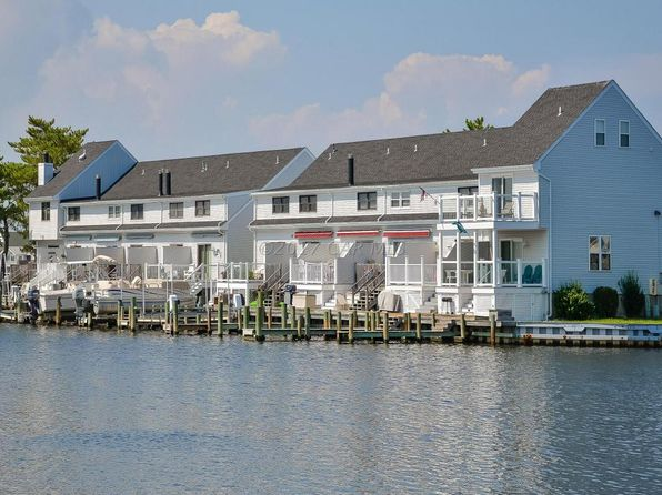 2 bed 2 bath Condo at 13500 HOLLY LN OCEAN CITY, MD, 21842 is for sale at 240k - 1 of 32