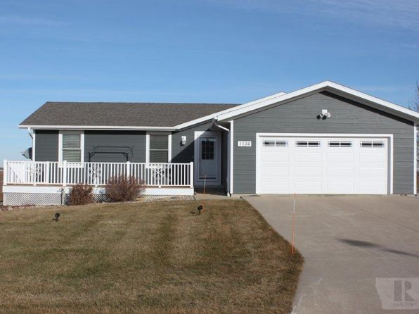 3 bed 2 bath Single Family at 1104 13th St NE Sioux Center, IA, 51250 is for sale at 205k - 1 of 26