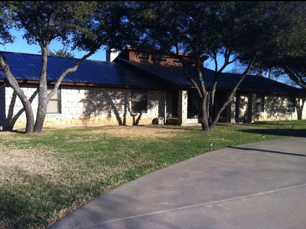 4 bed 3 bath Single Family at 900 Foxhollow Rd Eastland, TX, 76448 is for sale at 260k - 1 of 2