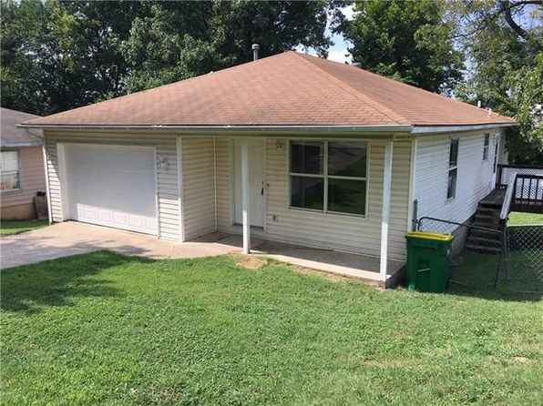 3 bed 1 bath Single Family at 608 W Bailey Ave Springdale, AR, 72764 is for sale at 85k - 1 of 8