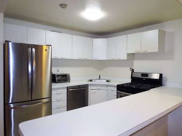 2 bed 2 bath Condo at 1376 Midland Avenue 106 Bronxville, NY, 10708 is for sale at 430k - 1 of 28